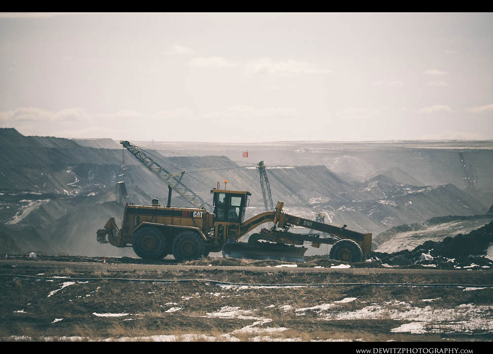 5Black Thunder Open Pit with Cat Grader