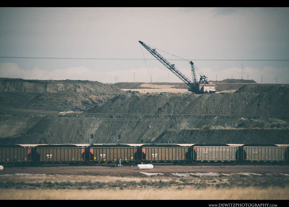 60Powder River Basin Coal Drag in Pit with Coal Hoppers