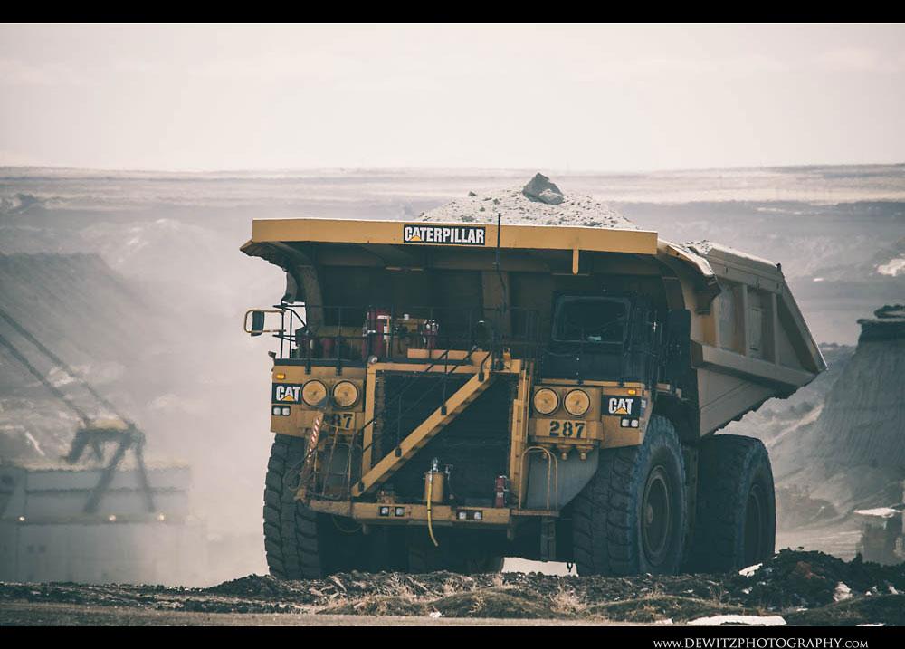 70Black Thunder Cat Coal Haul Truck