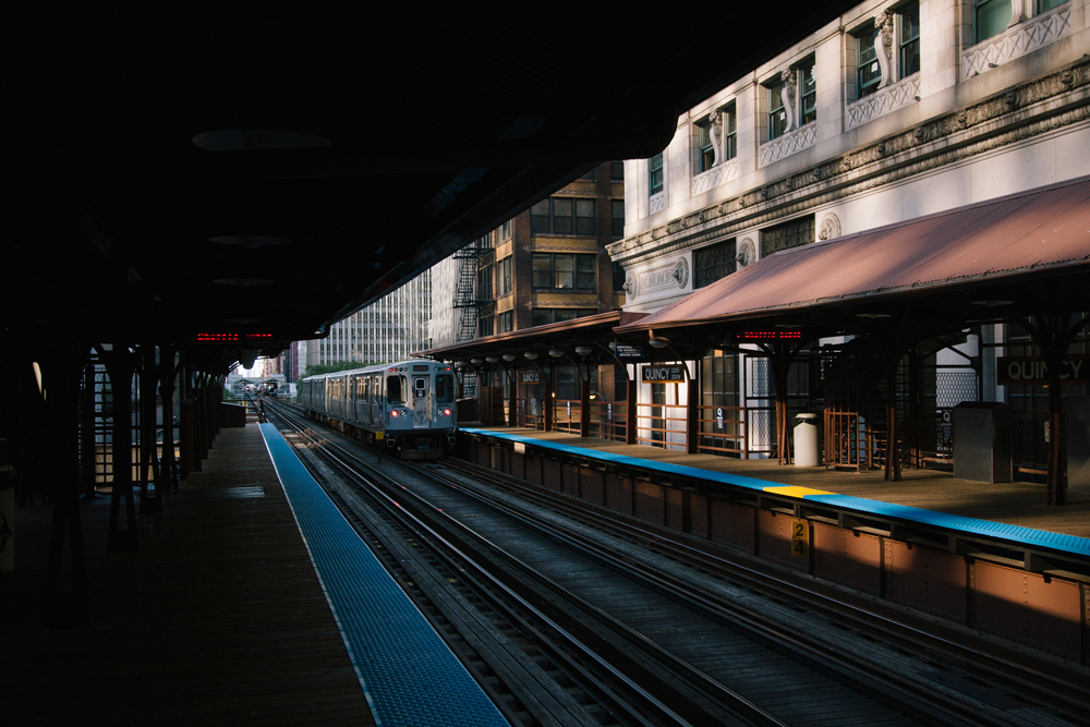 3Chicago Transit Authority L Train071