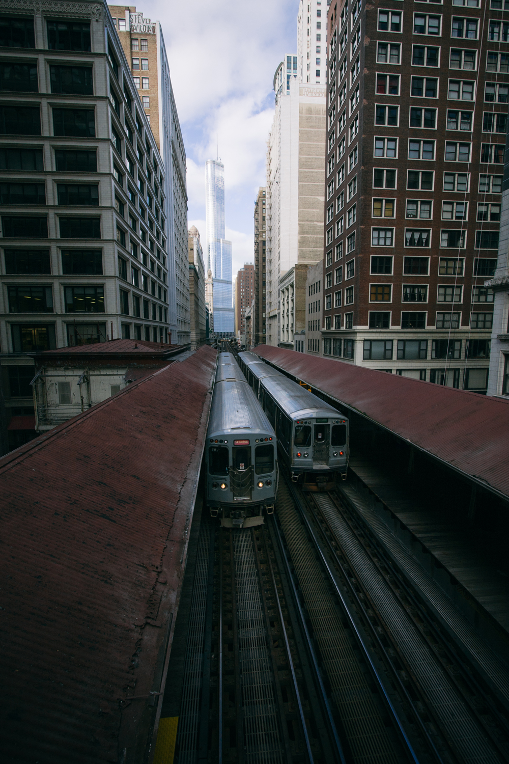 90Chicago Transit Authority L Train120