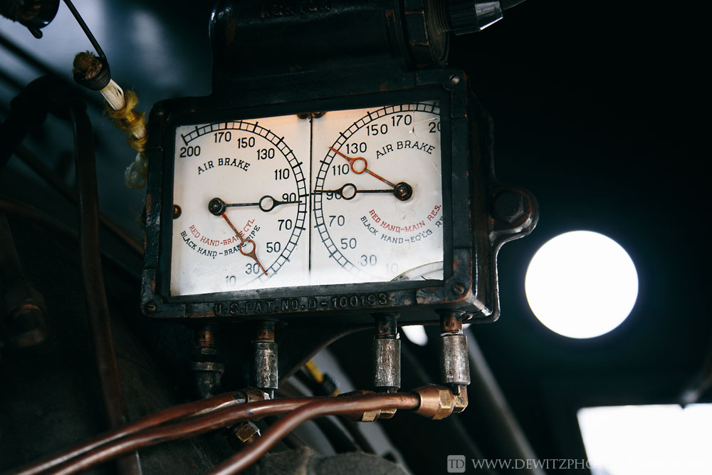 43soo_2719_air_pressure_gauges