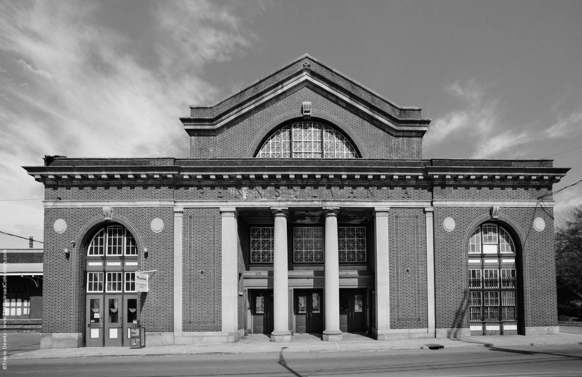 Only 32 hours to document norfolk southerns famed west slope amtrak station pennsylvania railroad johnstown pa 3381 sciox Images