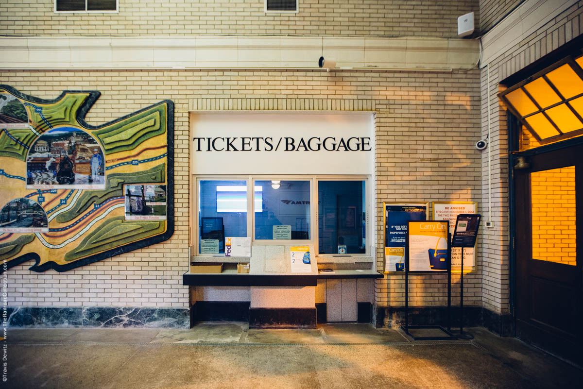 amtrak-station-tickets-baggage-window-wall-map-johnstown-pa-3387