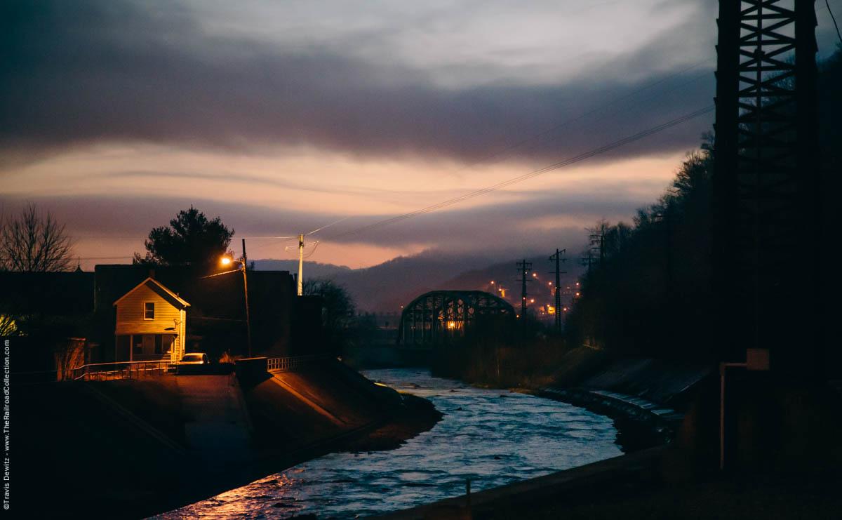 conemaugh-river-bridge-home-dawn-fog-johnstown-pa-2977