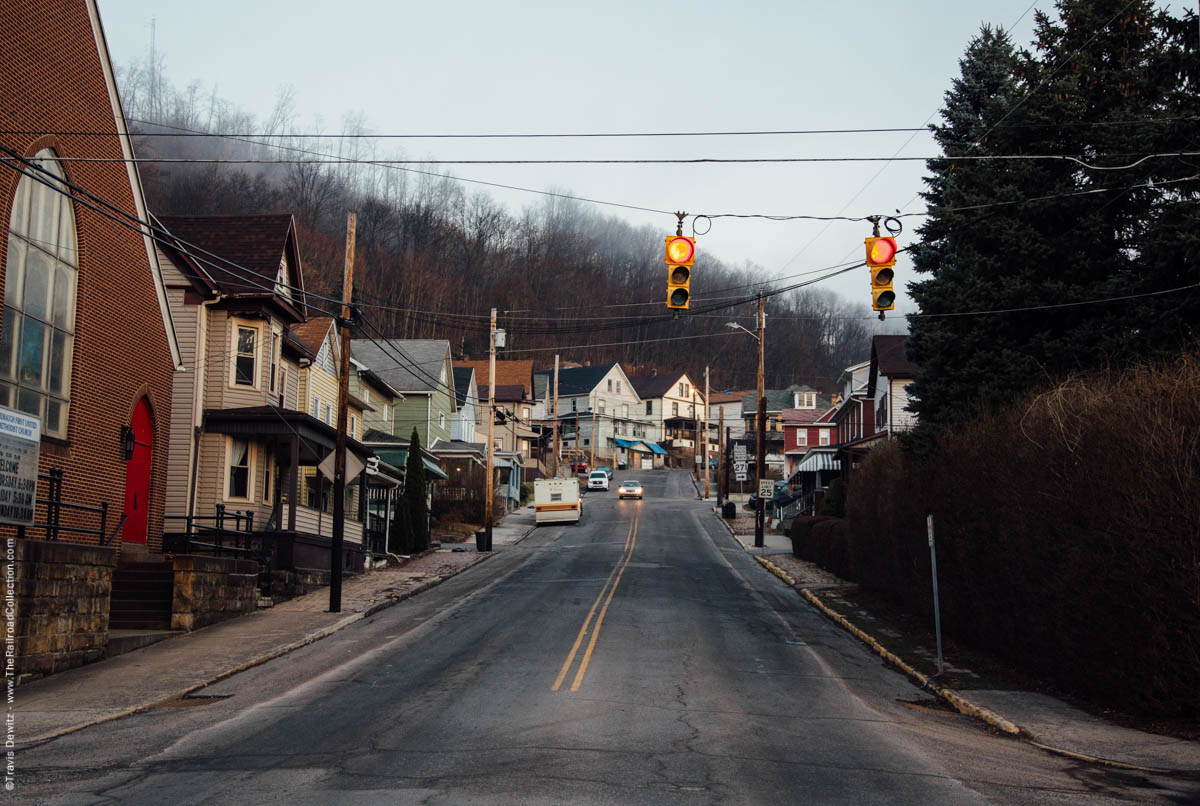 houses-uphill-red-lights-dawn-east-conemaugh-pa-3118