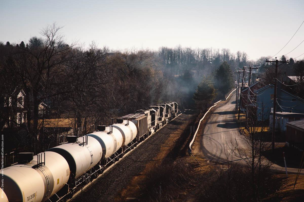 ns-6302-oil-train-mountain-railroading-exhaust-tunnelhill-pa-3241