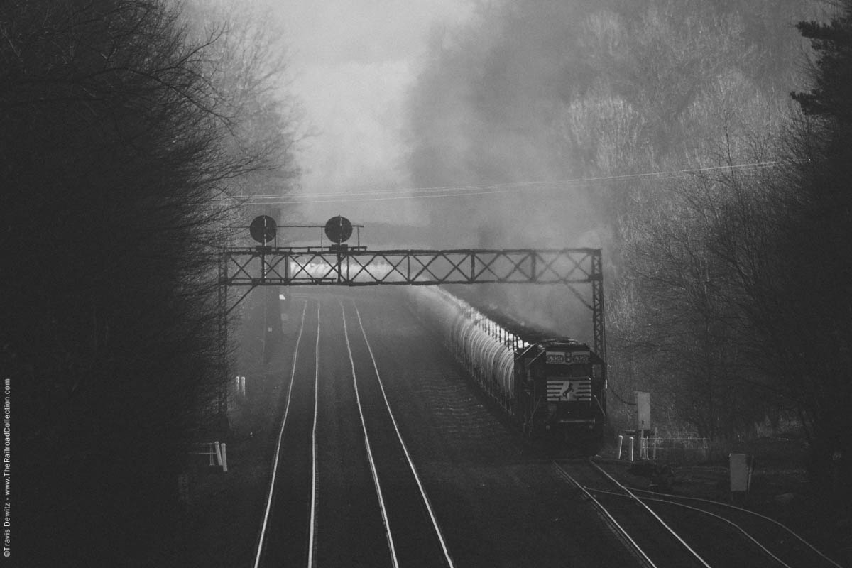 ns-6320-oil-train-helpers-prr-signals-morning-light-portage-pa-7013