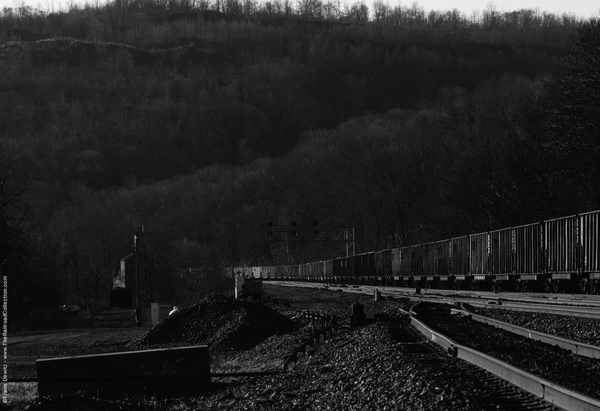 ns-coal-train-mountain-railroad-south-fork-pa-7073