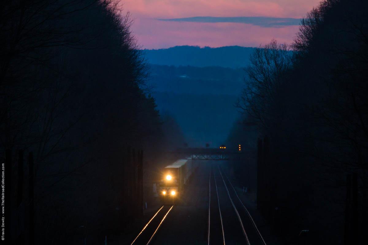 ns-dusk-pink-sky-prr-signal-bridge-stack-train-cassandra-pa-7144