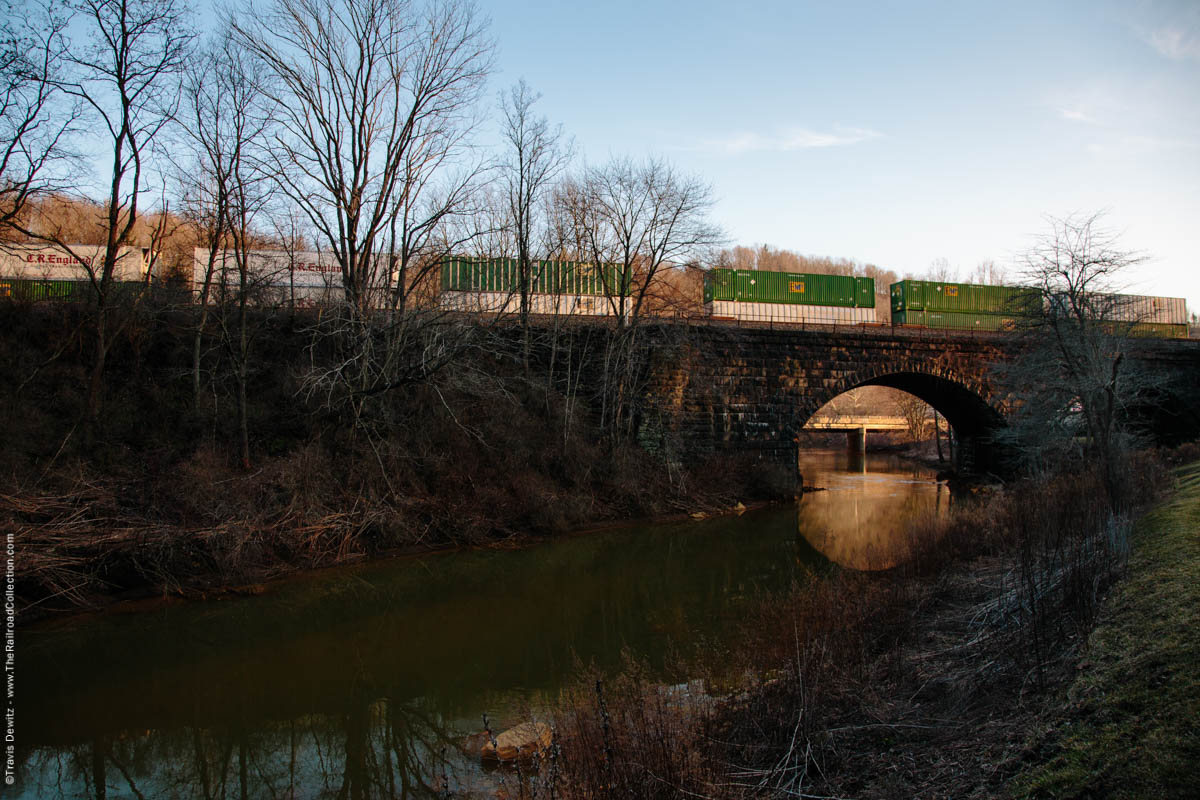 ns-intermodal-emp-west-slope-conemaugh-river-sunset-summerhill-pa-3722