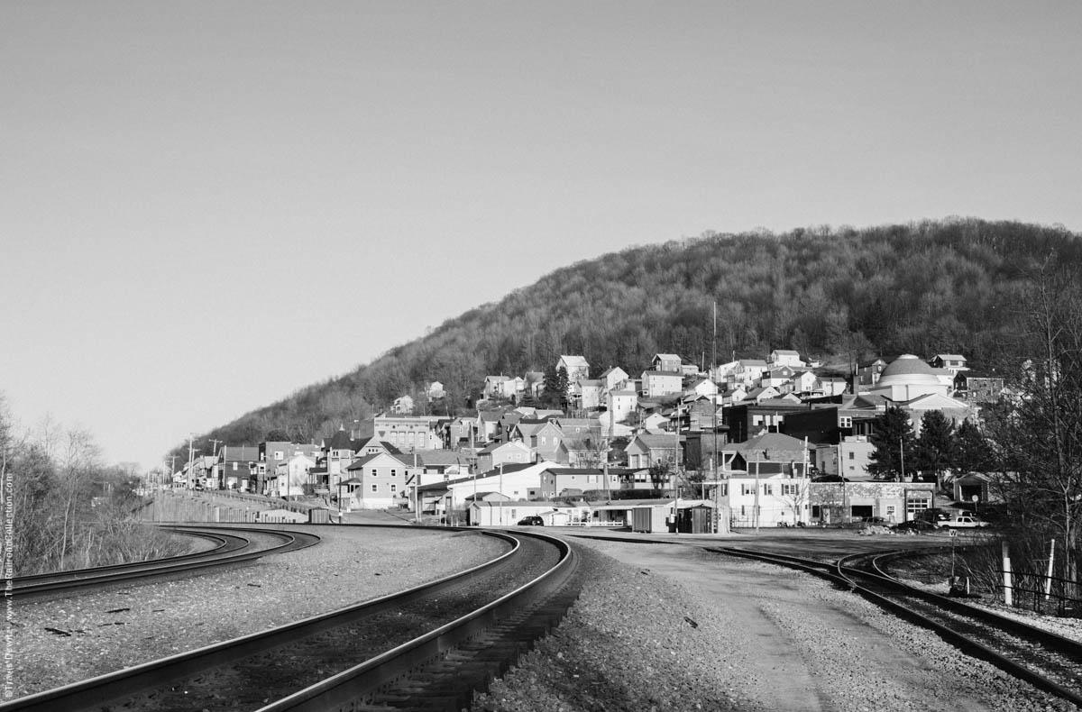 ns-prr-mainline-mountain-railroad-south-fork-3646