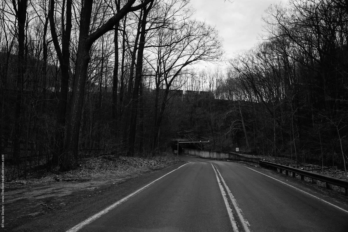 ns-rounding-horseshoe-curve-road-woods-altoona-pa-4101