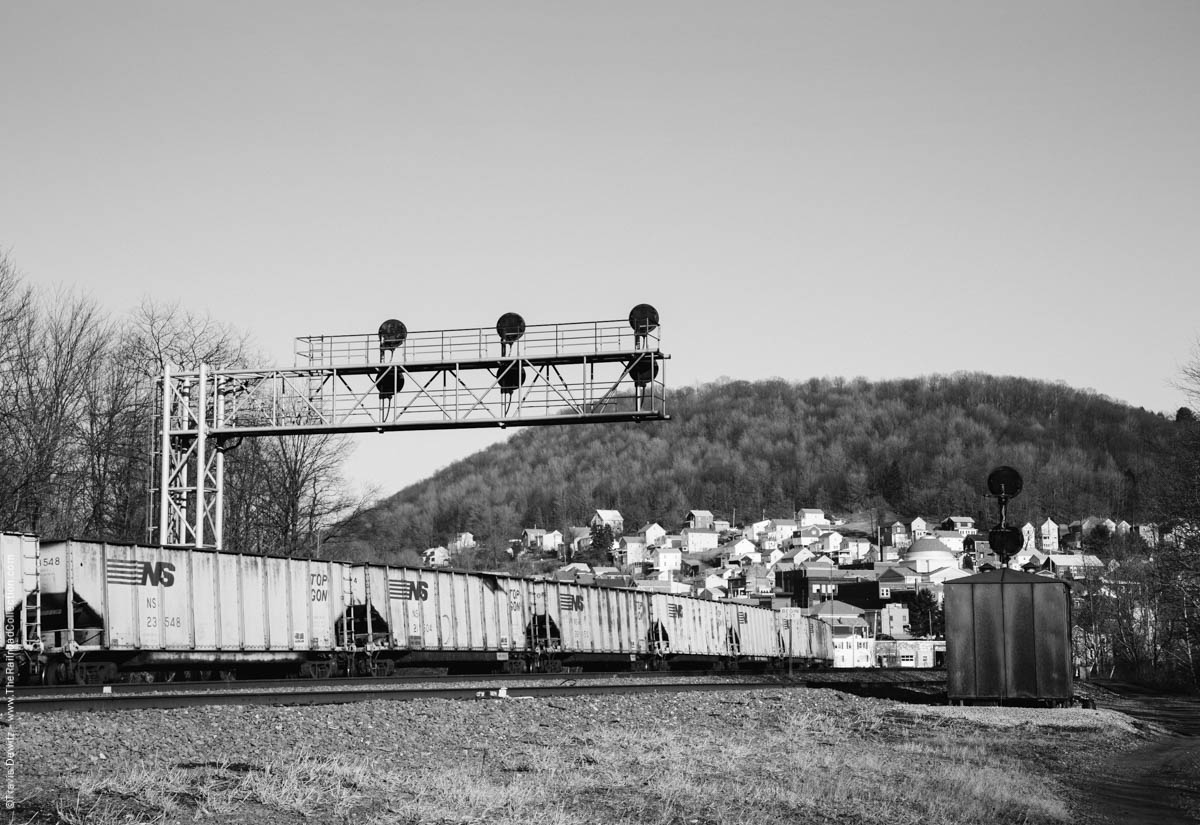 ns-top-gon-signals-south-fork-pa-3630