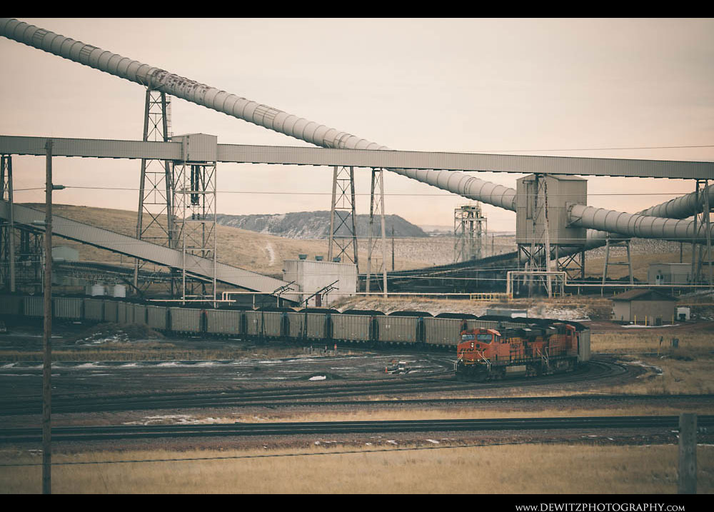 141BNSF Coal Train Gets Loaded at Black Thunder Mine