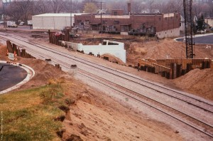 cnw-oct-1977-shofly-track-madison-street-hill-bridge-construction