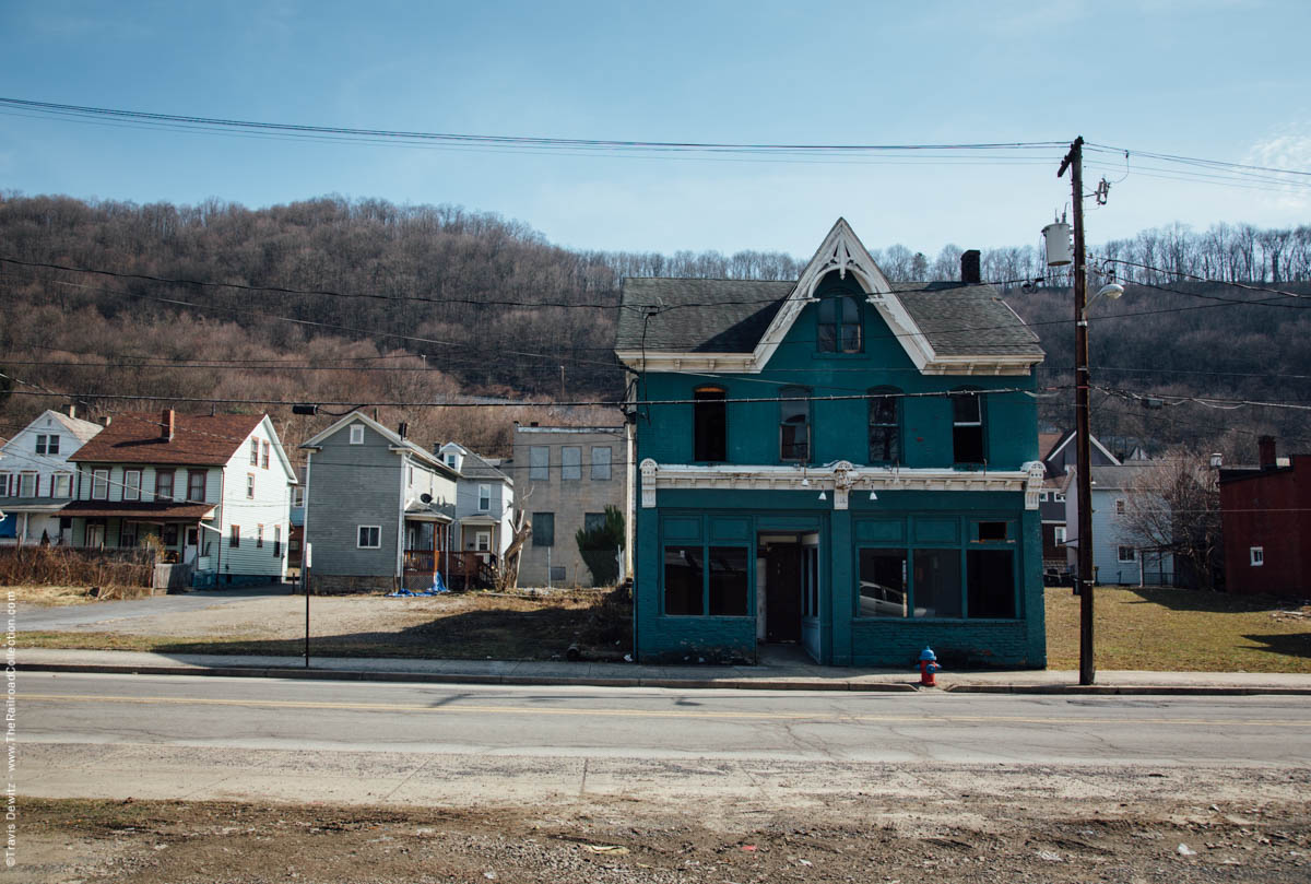 abandoned-old-blue-home-johnstown-pa-3529
