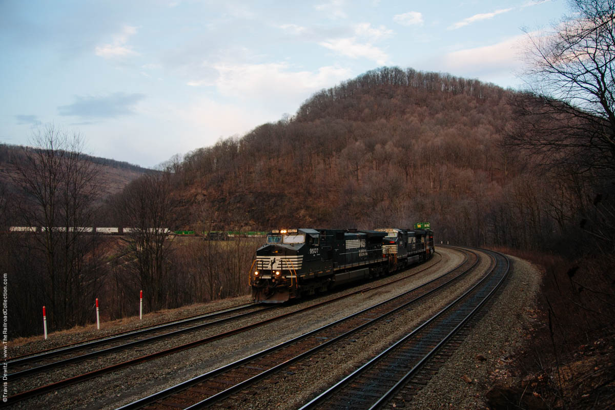 ns-9507-intermodal-sunrise-horseshoe-curve-altoona-pa-4059