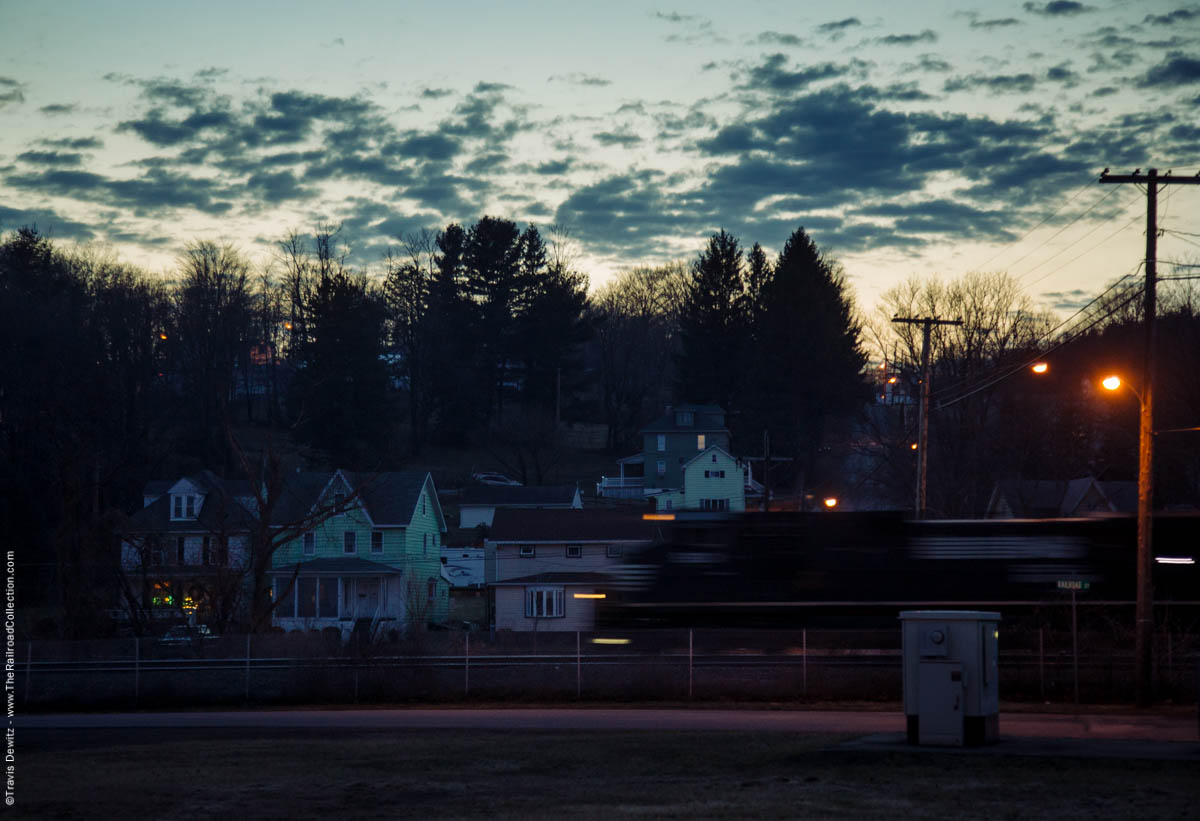ns-dusk-west-slope-lilly-pa-3791
