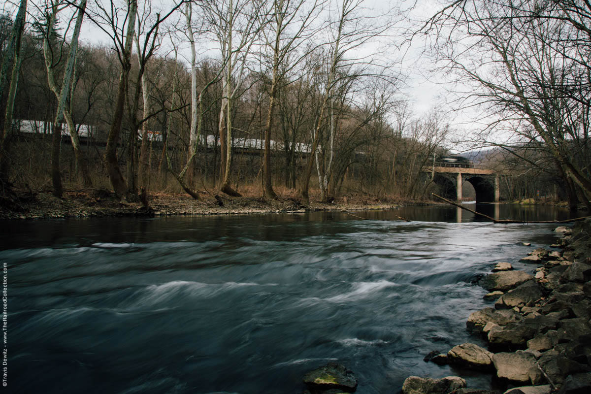 ns-intermodal-train-arched-bridge-little-juniata-river-tyrone-pa-4387